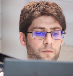 This Man Can Hack Your Home Network in 62 Seconds